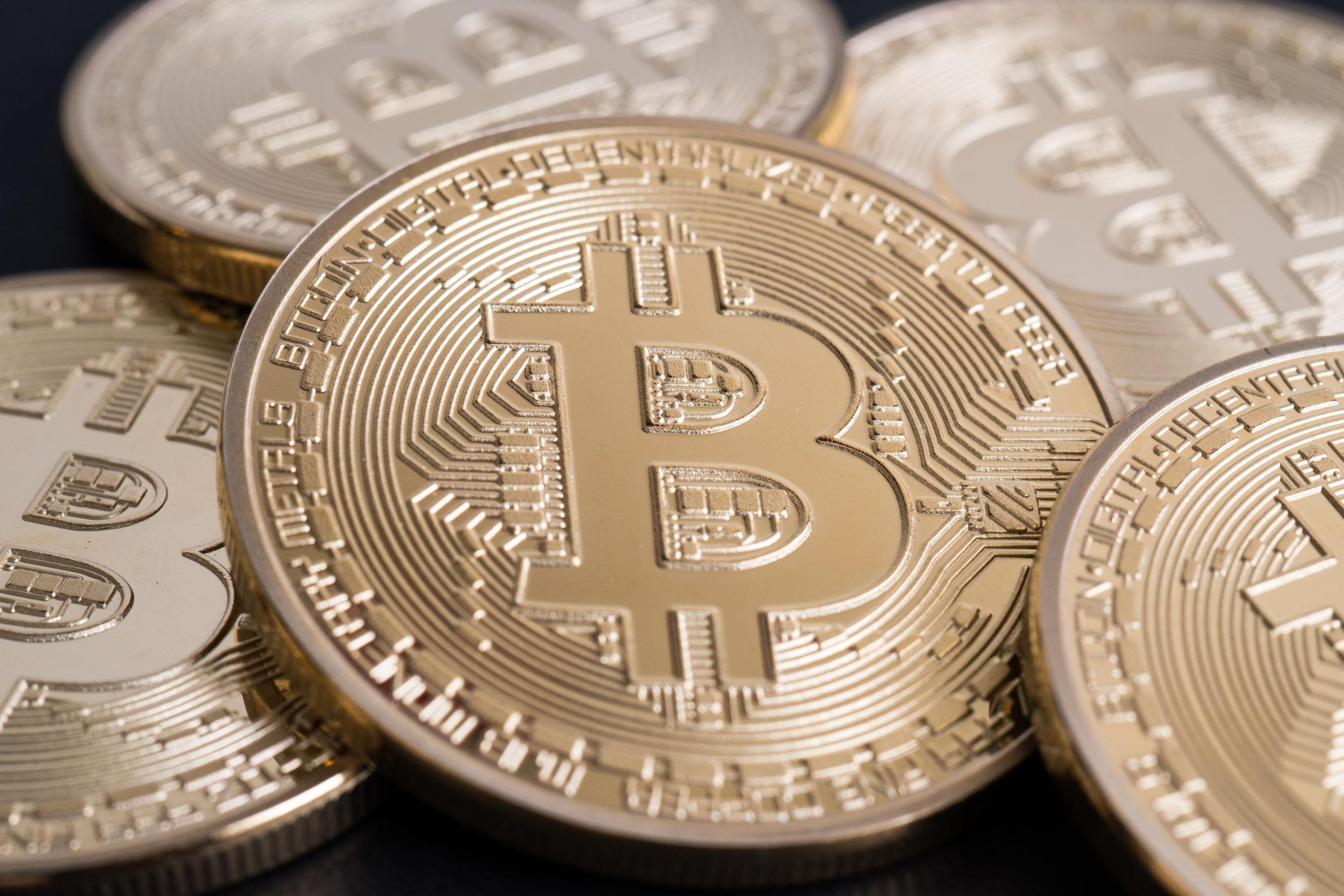 Akcijos vs prekyba bitkoinais pasirinkimo binarinė prekyba - gudriems.lt